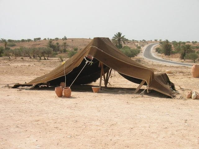 berber tent in the desert bushcraft skills - berber tent in the desert - Amazing Bushcraft Skills That Will Turn You Into A Daring Survivor